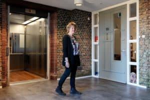 vrouw met dementie in woonzorgcentrum Vivent Berlerode