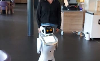 Zorgrobot Sara logeert in Vivent De Hooghe Clock