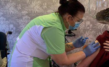 Tweede coronavaccinatie bewoners woonzorgcentra Vivent